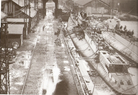 Les sous-marins Acheron et Actéon