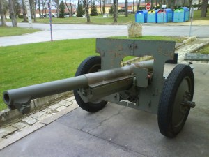 canon de 75mm modèle 1897 équipé de pneumatiques