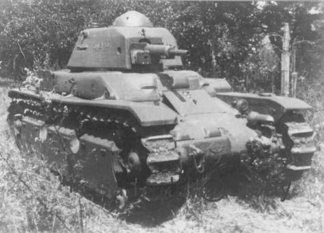 Renault R-40
