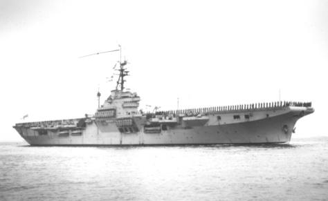Les Lutzen sont l'équivalent allemand des Colossus franco-britanniques (ici le HMS Colossus) à la différence que les navires allemands sont construits selon des normes militaires