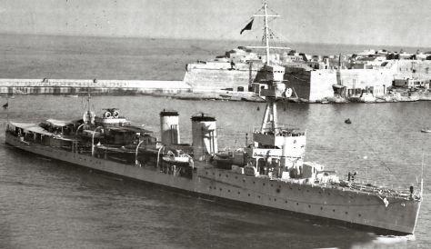 Le HMS Caledon, un croiseur type C
