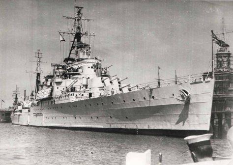 Le HMS Jamaïca