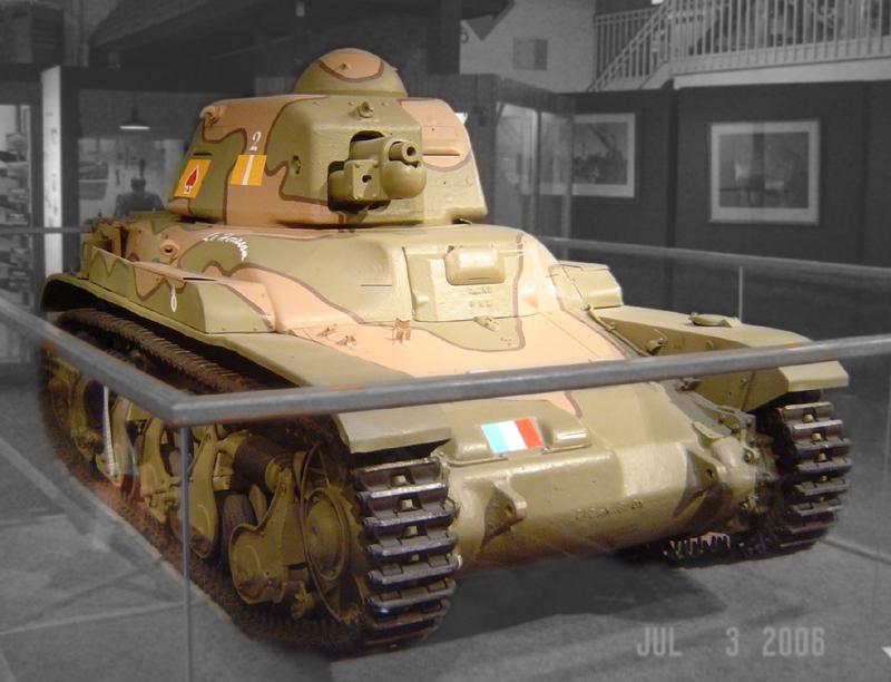 Renault R-35 888