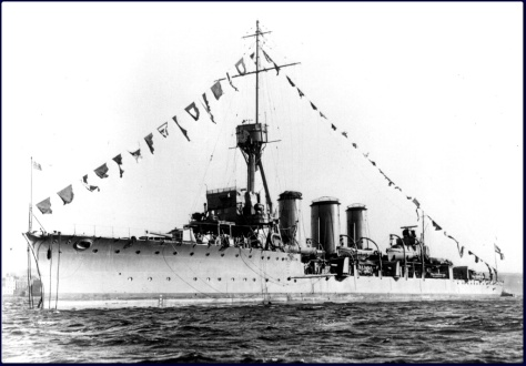 HMS Aurora classe Arethusa 2.jpg
